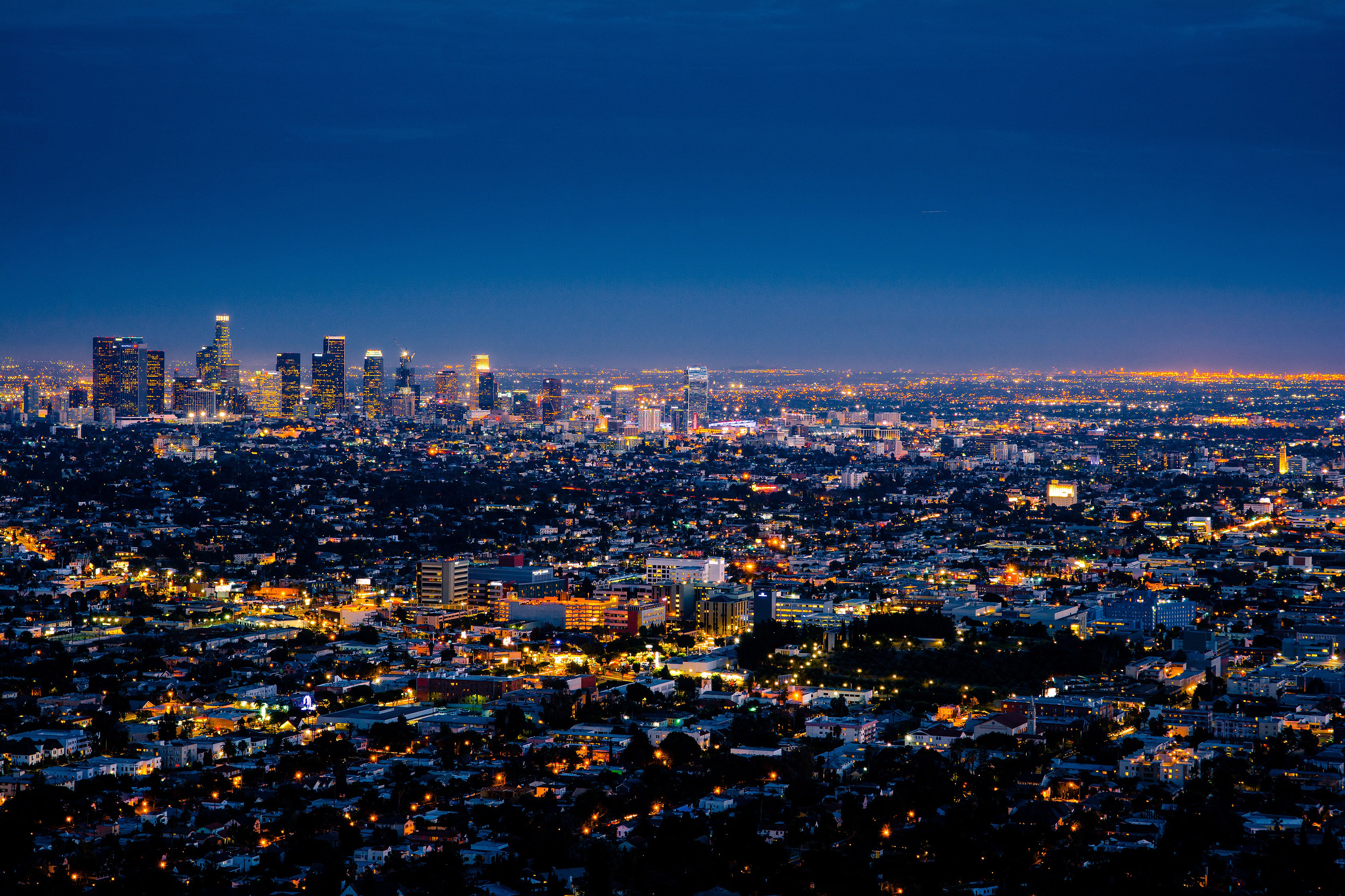 night-lights-in-los-angeles-california-cityscape